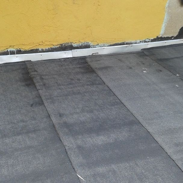 Oprava strechy nad zasadačkou